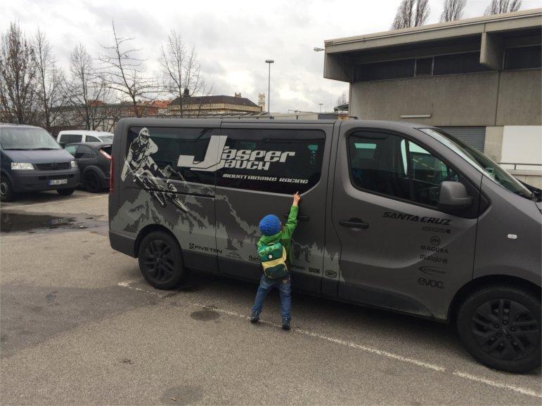 Bus von Jasper Jauch