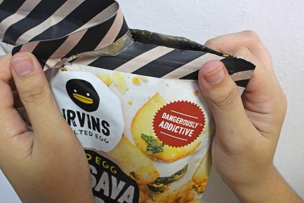 Чипсы из маниоки Irvins со вкусом соленого яйца
