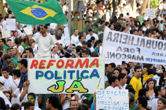 Na foto Manifestantes protestam e GoiâniaCrédito: Renan Accioly
