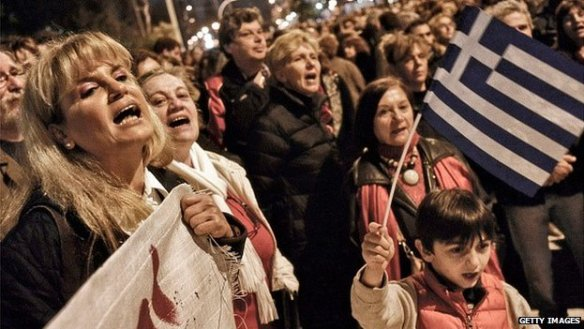 A classe média adere: em 6/2, manifestação em Atenas defende as primeiras medidas do novo governo grego, diante das ameaças dos conservadores europeus
