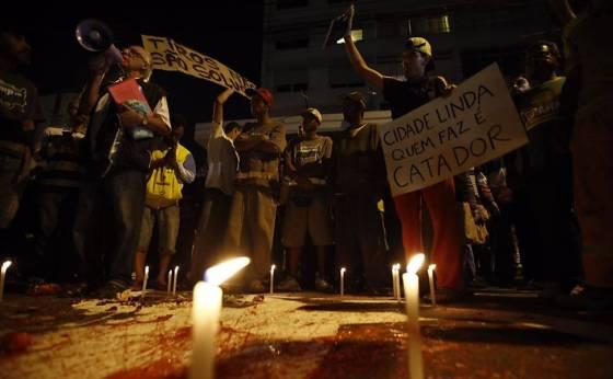 170717_Manifestação contra a morte do catador Ricardo. Foto Marlene Bergamo, Folhapress 2