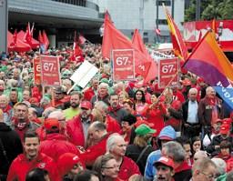 Trabalhadores belgas realizam jornada de lutas contra neoliberalismo