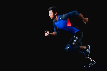 6.adidas以真實鏡頭捕捉盧彥勳的瞬間動作,演繹techfit機能緊身衣系列蘊含的強大科技與效能,幫助運動員追求最佳表現。