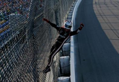 Castroneves ends 3 year drought winning Iowa