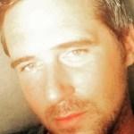 Investigador de OVNIs / UFO é encontrado morto no sofá