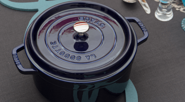 Round_Cocotte_by_Staub___Flickr_-_Photo_Sharing_
