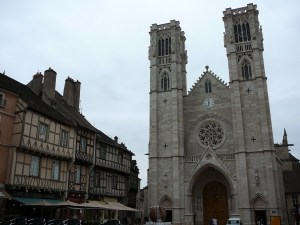 chalon-church-with-half-timber-blds