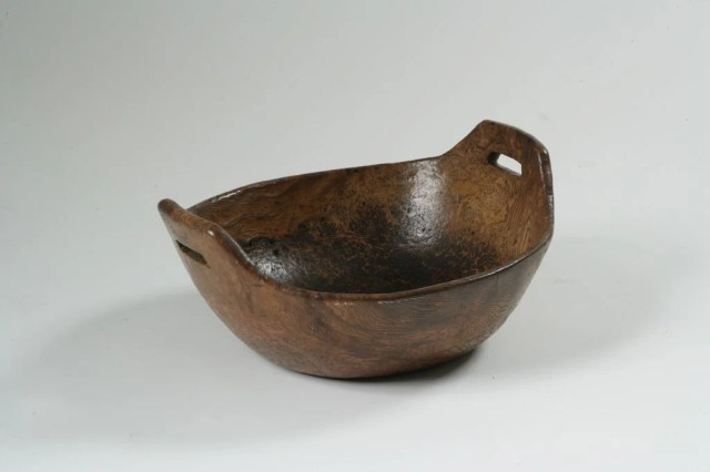 41: Oblong Burl Bowl with Open Handles
