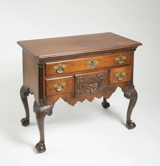 48: Chippendale Carved Dressing Table with Shell