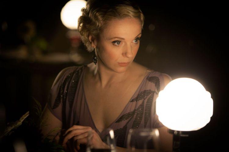 Amanda Abbington som Watsons forlovede, Mary. Dette vert nok hjarteknusande for ein heilt spesiell del av internett. (Foto: BBC)