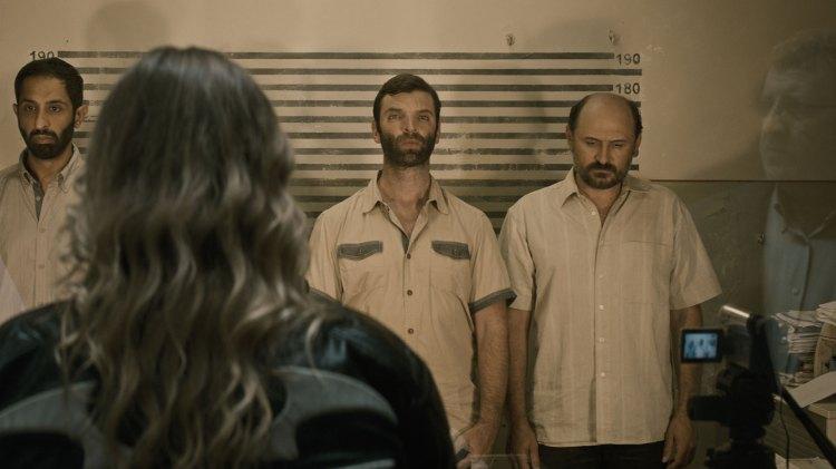 Forbrytelsen spiller andrefiolin i en film som er opptatt av å vise fram sprekker og dynamikker i det rumenske samfunnet. (Foto: Arthaus)