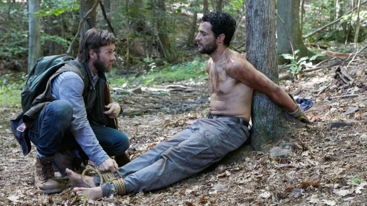 """En vanskelig start for Paul (Joel Edgerton) og Will (Christopher Abbott) i """"It Comes At Night"""". (Foto: Norsk Filmdistribusjon)"""