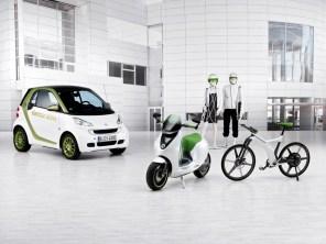 Zweirad-Studien smart ebike und smart escooter (mit smart fortwo electric drive)