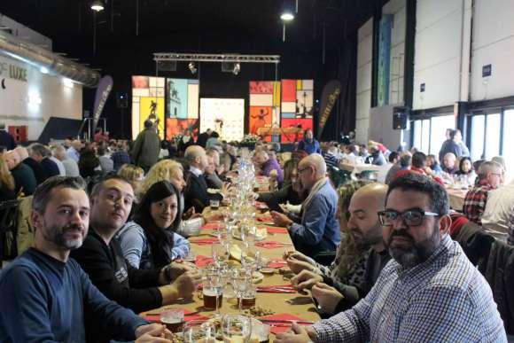 Almuerzo de hermandad y gala de entrega de premios en L'Àgora Jove de L'Alcudia. Un espacio multidisciplinar que se convertirá en la sede anual de estas distinciones.