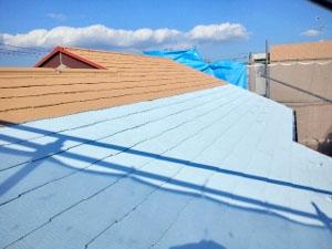 屋根塗装 中塗り(断熱セラミック塗料)2