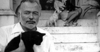 ernest-hemingway-and-cats-10