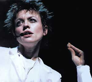 111113_laurie-anderson
