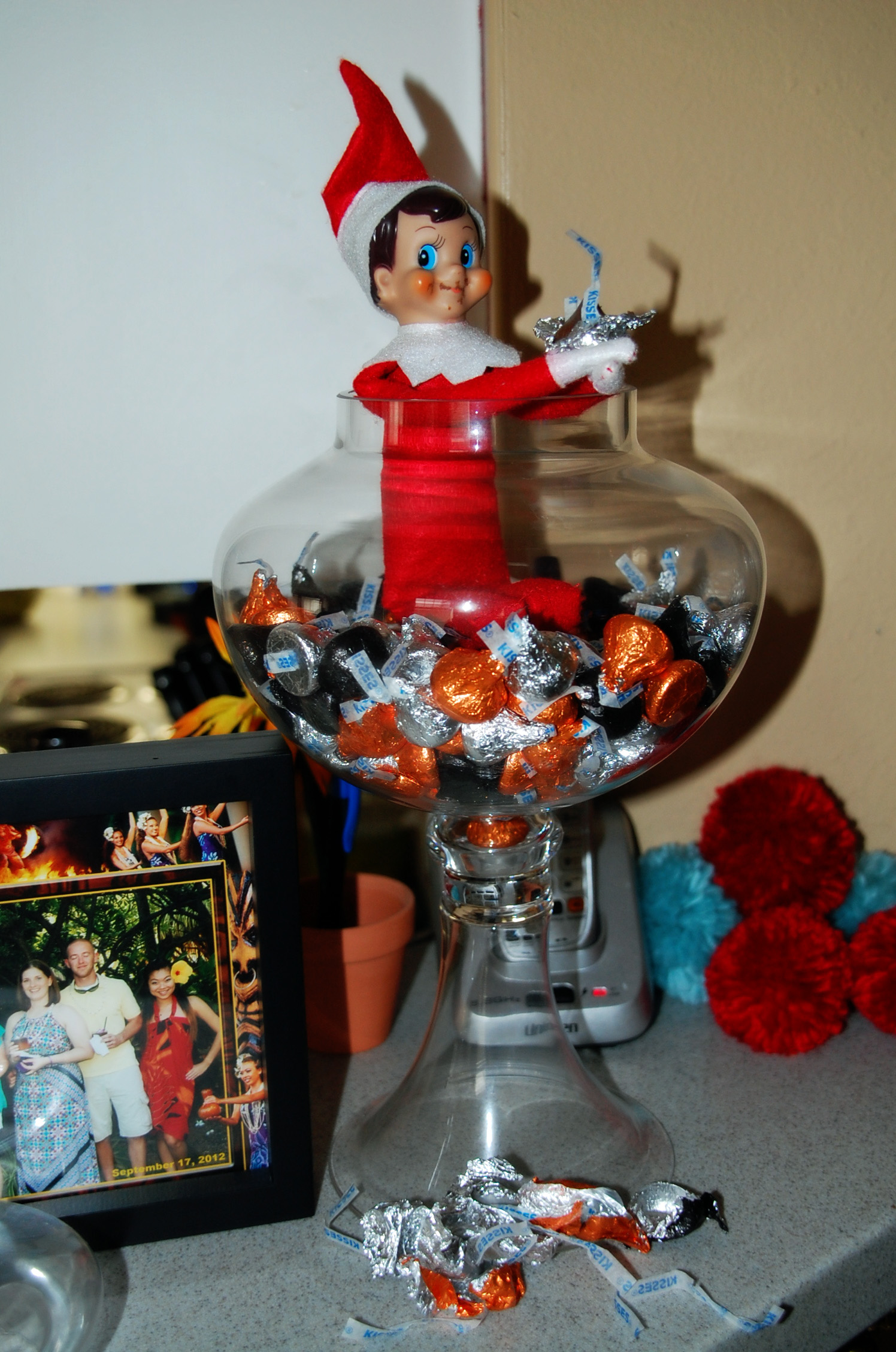 Elf on the shelf magic dust with free printable for Elf on the shelf chocolate kiss