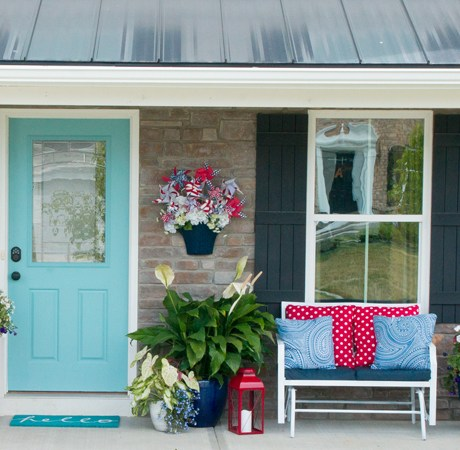 Porch Décor & Final reveal of the 5 week curb appeal challenge.