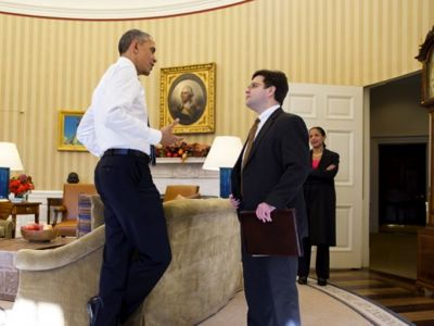 El presidente Obama con su consejero para Latinoamérica, Ricardo Zúñiga. Al fondo, la consejera de Seguridad Nacional, Susan Rice. © White House