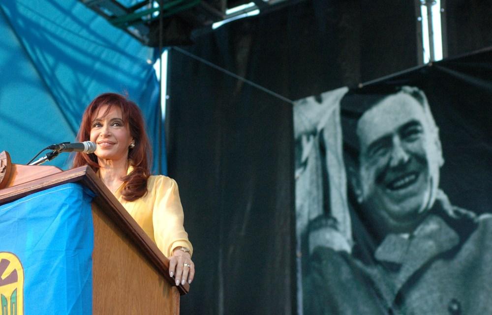 zzzznacp2 NOTICIAS ARGENTINAS BAIRES, OCTUBRE 17. La presidenta de la nación Cristina Fernandez de Kirchner durante el acto realizado esta tarde en el partido de San Miguel conmemorando el día de la lealtad Peronista.  foto. Marcos Adandíazzzz