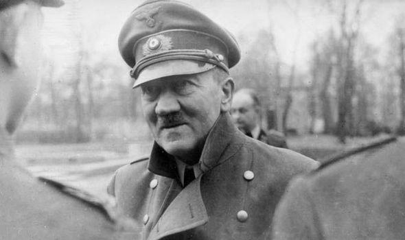 Hitler-636513