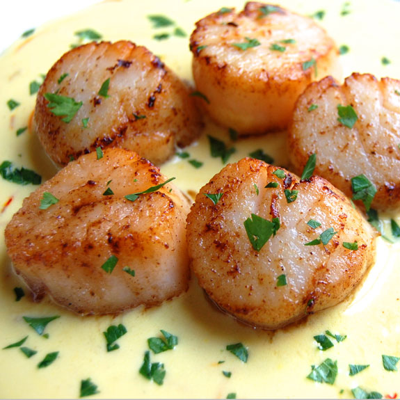 Paleo Scallops with White Wine Sauce I