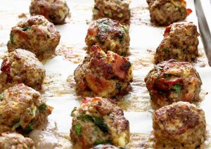Meatballs-cooked-on-parchment-850x600