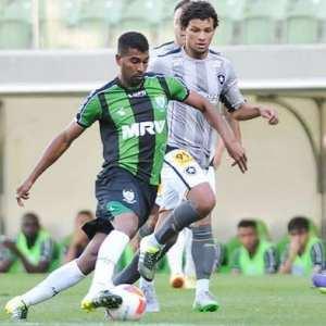 Reforço faz primeiro treino e tem apresentação marcada no Palmeiras