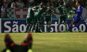 Com direto a redenção de Alecsandro, Palmeiras estreia com vitória