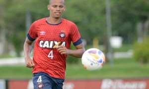 Sem acerto com Luan e Gum, Palmeiras avalia Cleberson, do Atlético-PR