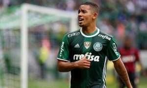 Gabriel Jesus brilha, e Palmeiras goleia Atlético-PR na estreia do Brasileirão