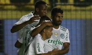 Em dia de estreia e Gabriel Jesus inspirado, Palmeiras bate Sport e segue isolado na ponta