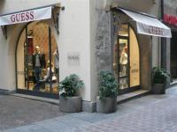 Image {focus_keyword} Un nuovo Guess Denim Store apre a Como 35678 200936162152
