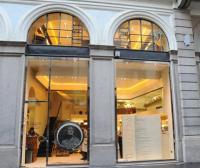 Image {focus_keyword} L'Hair SPA dello storico Benito si affaccia sul Piccolo Teatro 38800 2010513155313