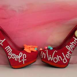 Wonderland Pumps