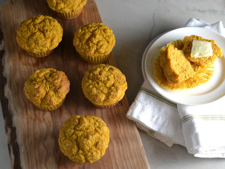 Hearty Cornmeal Muffins