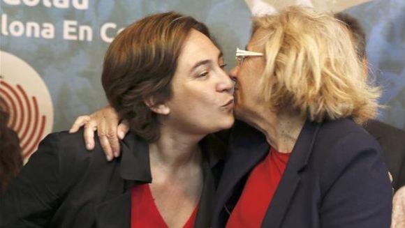 Ada-Colau-Manuela-Carmena-democratica_EDIIMA20150506_0553_17