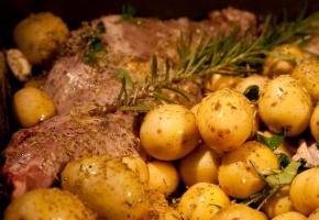 συνταγή αρνάκι ή κατσικάκι στο φούρνο με πατάτες