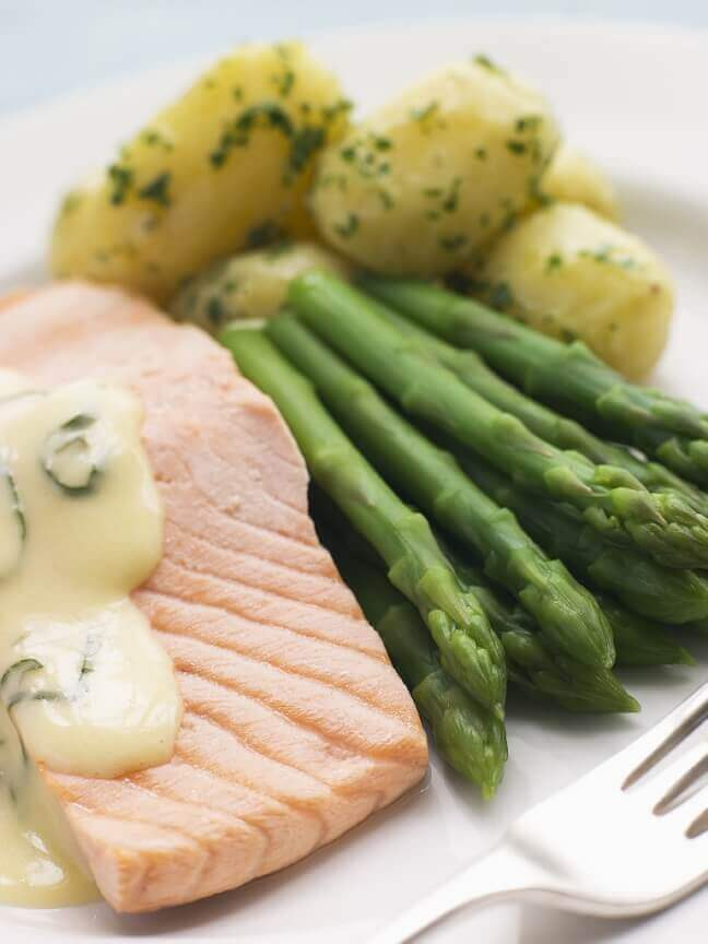 Poached Salmon with Asparagus