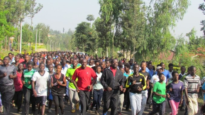 Umunsi wo gutangiza siporo rusange mu karere ka Gatsibo witabiriwe n'abantu batari bake. (Photo/Courtesy)