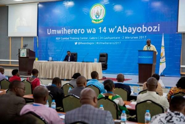 Minisitiri w'Intebe asobanura ishyirwa mu bikorwary'imyanzuro yavuye mu mwiherero wa 13 w'abayobozi bakuru b'igihugu (Photo/Village Urugwiro)
