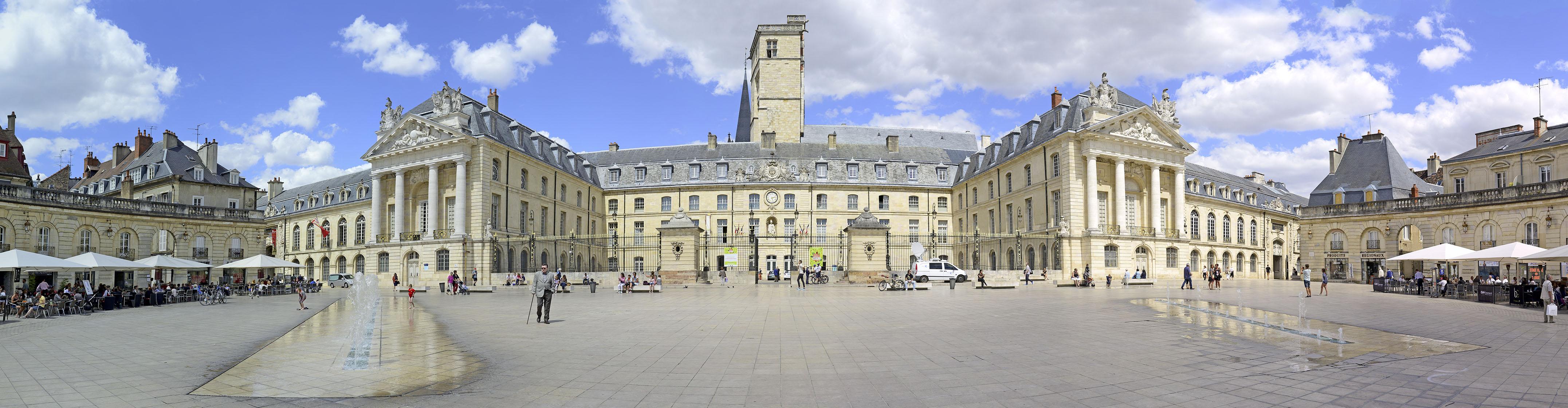 Dijon plein bij paleis