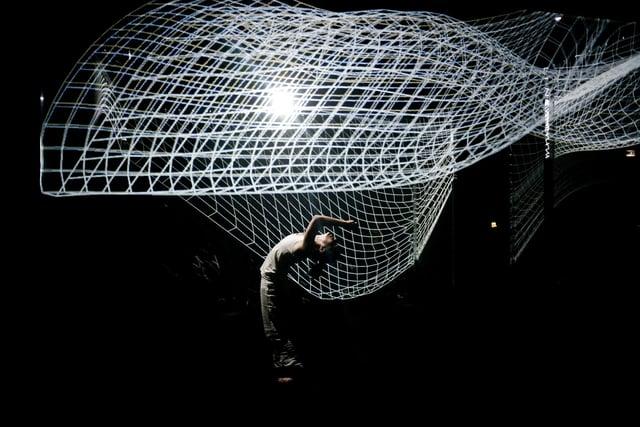Dansa interactiva: Hakanaï