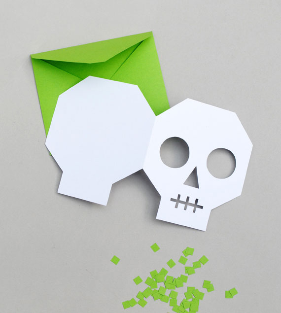 DIY Skull Halloween Invitations by Mini-eco