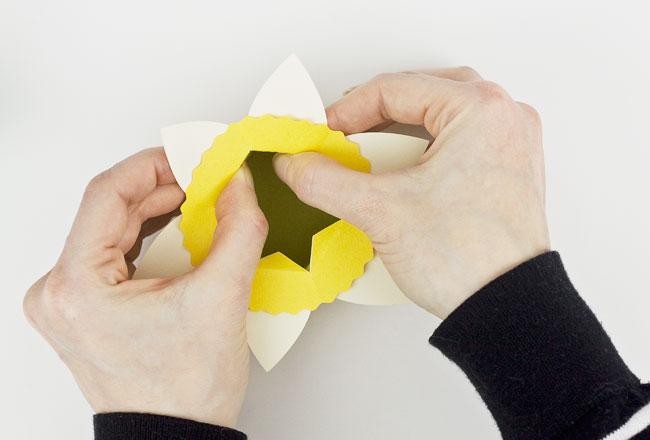 DIY Daffodil Egg Cups / Treat Boxes, Step 6