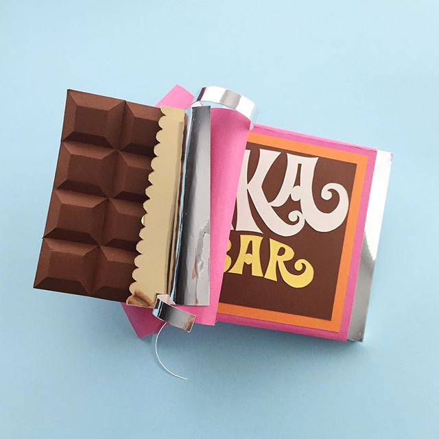 http://i2.wp.com/papercrave.com/wp-content/uploads/2015/08/willy-wonka-bar-paper-sculpture.jpg?resize=640%2C640