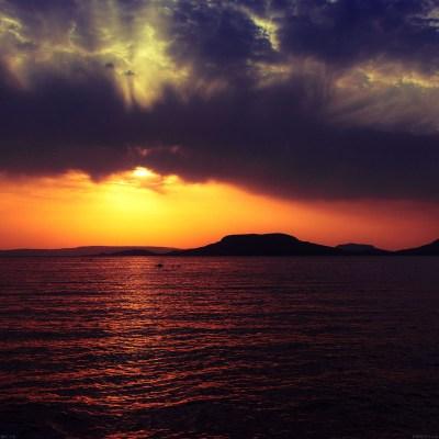 mc18-wallpaper-badacsony-sea-sunset - Papers.co