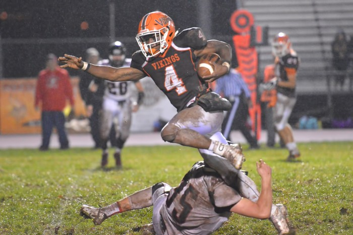 Rain slows down, doesn't stop Perkiomen Valley in 30-0 win over Boyertown