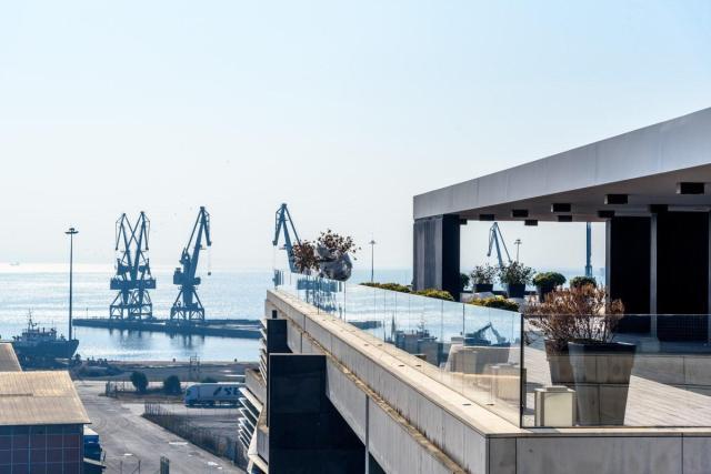 λιμάνι-The-MET-1